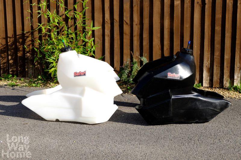 Dodatkowe zbiorniki - biały półprzezroczysty istylowy czarny ;) - Additional tanks - white translucent and stylish black