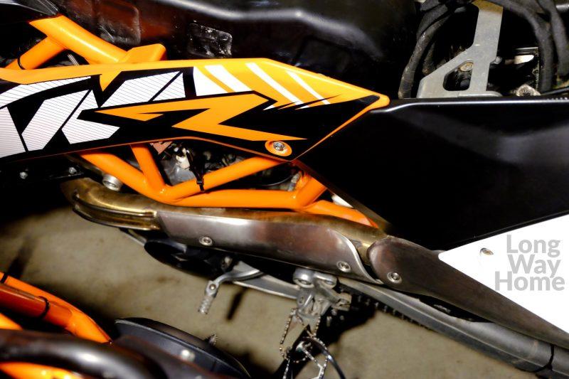 Owiewka wkońcu może być przykręcona - Side panel can be mounted at last