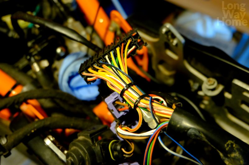 Niezabezpieczona część wiązki elektrycznej - Unprotected part of wire harness