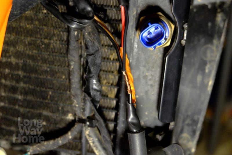 Wpięcie przewodów przełącznika chłodnicy - Radiator fan switch wires hook up