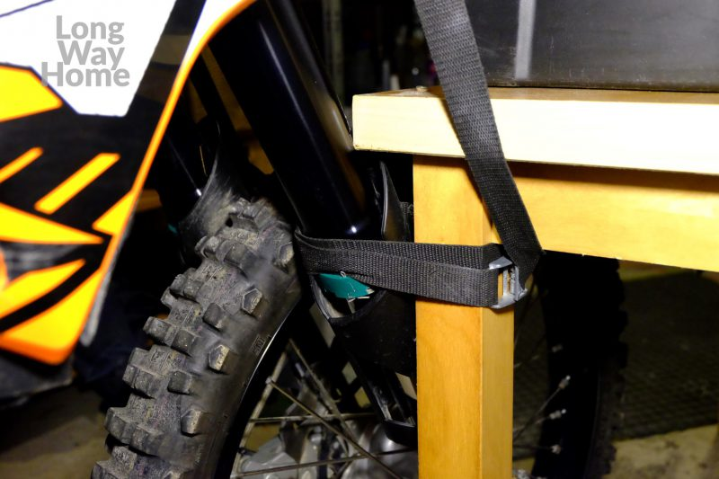 Zabezpieczenie motocykla wpionie :D - Motorcycle strapped tobe kept upright :D