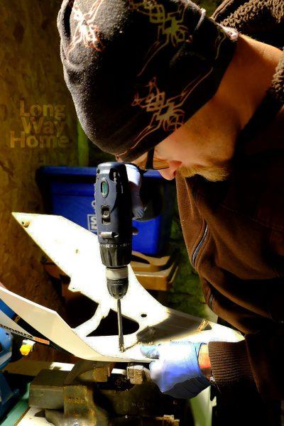 Nawiercanie otworów montażowych wtylnej owiewce - Drilling mounting holes in the rear fairing